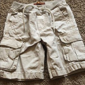 Cotton cargo shorts.... GOOD CONDITION ‼️‼️